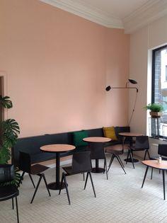 restaurant, mur peint ,le rose dans nos intérieurs ,sur les murs, en décorations, en objets