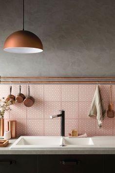 cuisine, crédence ,le rose dans nos intérieurs ,sur les murs, en décorations, en objets