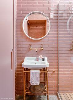 salle de bain, carrelage ,le rose dans nos intérieurs ,sur les murs, en décorations, en objets